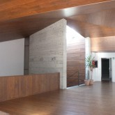 reinforced concrete wall, wood ceiling and floor © inês feio 2012