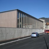 exterior view of the building from the road© studio Ortalli 2005