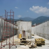 construction of columns and lift (first floor)© studio Ortalli 2008