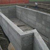 reinforced concrete wall of  the foundation © Andrea Oliva 2006