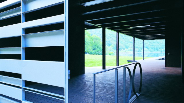 Bathing Pavilion, Studio di Architettura Marco Castelletti, Lake Segrino, Como, Italy,  2004 (photo gallery interiors)